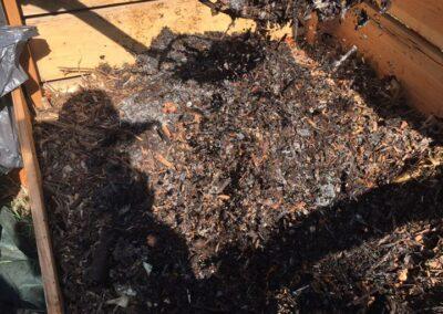 Retournement du compost à la ferme de la croix-rousse à lyon 4